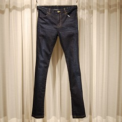TAPERED SLIM JEANS